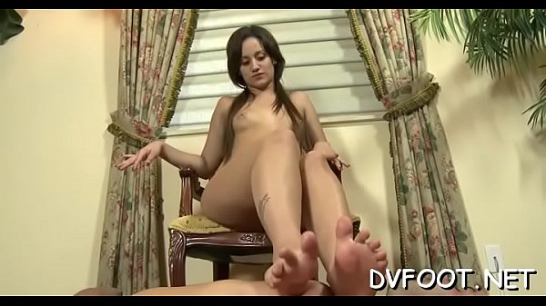 Foot job, Girl foot